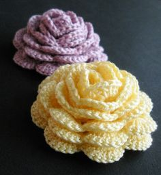 FREE PATTERN ~ Crochet Rose, free pattern.  (There are also a couple of suggestions in the comments for free leaf patterns).