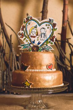 bronze wedding cake, photo by Joleen Willis http://ruffledblog.com/handcrafted-sonora-wedding #weddingcake #cakes #metallic