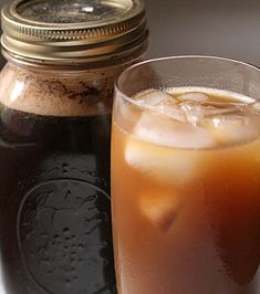 store left over coffee in mason jars for later