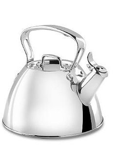 Pour the perfect cup of tea every time with the All-Clad Tea Kettle; a simplistic, ingenious design for maximum functionality.