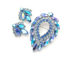 Vintage Jewelry Set SARAH COVENTRY Blue Lagoon.   Pretty colors!