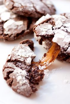 Salted Caramel Stuffed Chocolate Crinkle Cookies  Yum yum !!