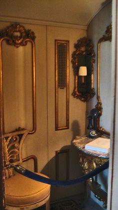 Pre cell phones?: Vizcaya phone room