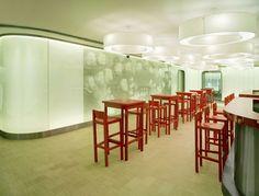 V.I.P. Lounge Schiphol Airport - Moooi.com
