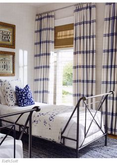 blue-and-white-bedroom-