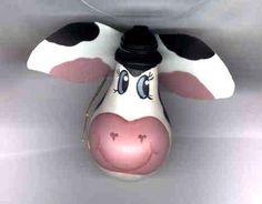 Cow ornament idea, lightbulb art, lightbulb ornaments, christma gift, cow ornament, christma craft, christmas ornaments, light bulb, cow lightbulb