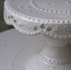 Victorian Frill Round Cake Stand