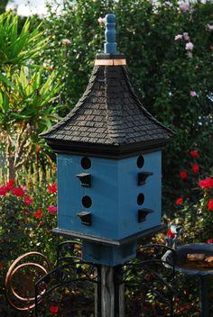 Very charming handcrafted Bird House and Bird Feeder. via North Carolina's BeeGracious on Etsy