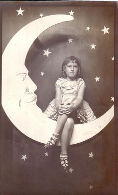 Gorgeous Paper Moon photograph from the personal collection of thevintagetraveler.wordpress.com