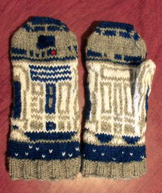 R2D2 knit mitts!!