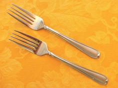 CAMBRIDGE-ALLURE-STAINLESS-FLATWARE-2-Salad-Forks-SATIN-GLOSS