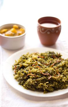 palak biryani or spinach biryani - lightly spiced easy biryani recipe #spinach #vegan #rice