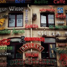 Random fonts in Hasselt Belgium via @laBatave