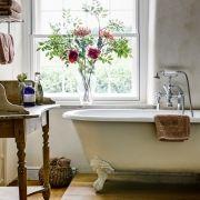 #bathroom #bath #wood #closet #flowers