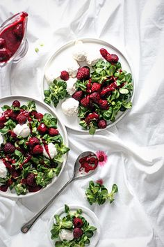 Salad with raspberries & ricotta