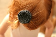 felt flower hair pin--just made a few.  They are so easy!