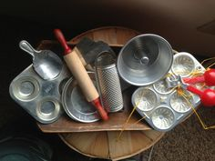 Child's vintage kitchen baking set