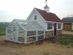 Awesome chicken coop and run. Some day.... I  LOVE this coop!!!