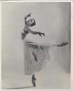 Sonia Arova, Ballet Russes, London Festival, American Ballet Theatre. #art #photography #ballet #ballerina #dance