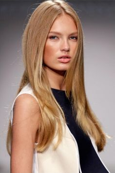Romee Strijd #fashion #models i love this models hair it fabo