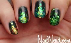 Amazing sparkling green and black emerald city inspired halloween witch nails to recreate the wicked witch of the west or bad witch from Oz. Nails Green, Nails Nails, Nails Art, Nails Design, Ghosts Nails, Nails Polish, Glitter Storms, Art Glitter, Storms Nails