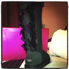 Uggs with bows <3