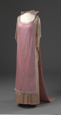 Queen Maud's Evening Dress - c. 1920 - Made in London, England - Silk, metal, glass - Nasjonalmuseet for Kunst, Arkitektur og Design, Oslo