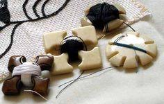 West Kingdom Needleworker's Guild:  A Period Workbox sewing kits, sew kit, thread winder