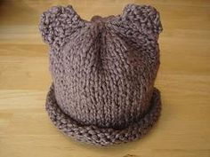 Keep baby's head nice and warm with this free knitting pattern for a Baby Bear Hat.
