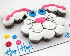 Cupcake Easter Bunny Cake, cute idea