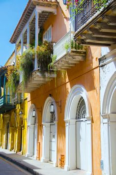 The colorful streets of Cartagena, Colombia