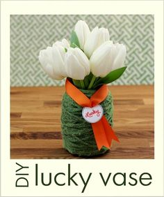 Make yourself a #lucky #green #DIY vase on St. Patrick's Day!