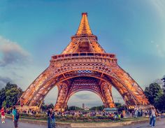 The Eiffel Tower by Rohit Mordani on 500px