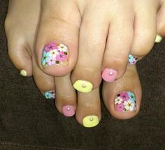 Love the flowers on the toes.