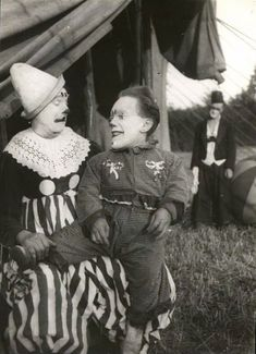 vintag clown, vintag circus, vintage clown, little people, carnival, vintage photographs, circus clown, old photos, clowns