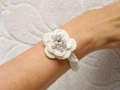 Bracciale uncinetto fiore bianco
