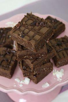 Sweetly Raw: Raw Triple Chocolate Brownies - 2 recipes