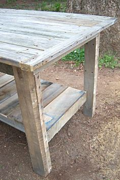 need to make this $2 diy farm table! 2 2x4s and 4 free pallets- cute garden style potting bench...after making multiple pallet items I wouldnt call this a $2 table if you count your time. BUT it is still a good base design