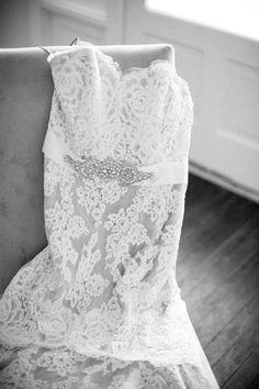 lace wedding gown   Sam Stroud #wedding