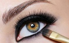 Caring For Your Eyes By Using Eyeliner   Eyeliner Styles