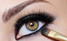 beauty tips, makeup eyes, dark eyes, eyeshadow, the darkness