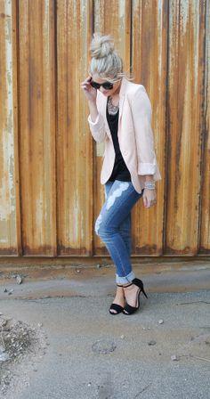 light pink blazer with light jeans, black shirt & shoes
