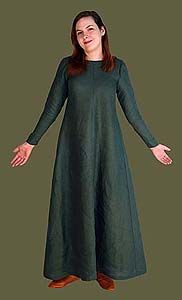 medieval kirtle, a simple, elegant linen gown that pulls on without lacing. Medieval artwork of the 10th - 14th centuries often depicts simple, smooth gowns with tapered sleeves and full skirts. In the 12th and 13th century, this gown is often worn as a simple overdress by common women and wealthy ladies as well being used as an under gown with apron dresses, bliauts and pendant sleeved gowns