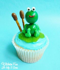Kitchen Fun With My 3 Sons: Easy Frog Lily Pad Cupcakes