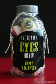 Simple Halloween Gift Idea on { lilluna.com } #halloween