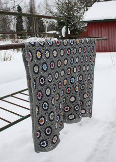crochet blankets, afghans, beauti crochet, graphic, color schemes, color combos, winter colors, beauti blanket, water bottles
