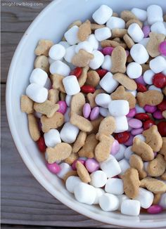 Valentines S'mores Snack Mix = Valentines M&Ms + Marshmallows + Goldfish Grahams! Cute!