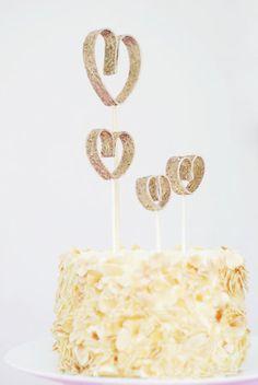 desserts, diy cake, heart dessert, diy wedding cake topper, idea, dessert topper, cakes, glitter heart, cake toppers