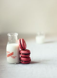 raspberri, quinn davi, macaron, milk bottles, christmas decorations, food, macaroon, cooki, kati quinn