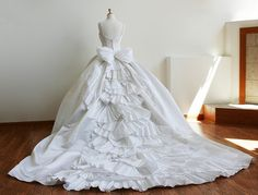 I didn't even think I liked ball gowns, this is gorgeous